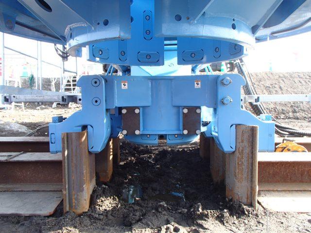 油圧クランプ式鋼管反力架台