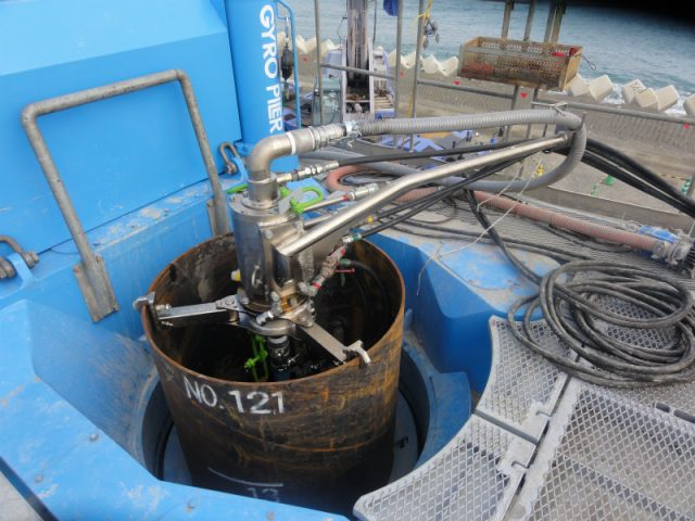 排水機能付きスイベル